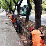 Continúa la limpieza de canales en la Ciudad